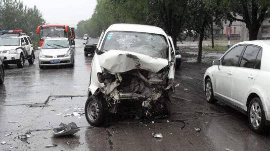 惊!2016年中国交通事故死亡人数6.3万 持世界第二