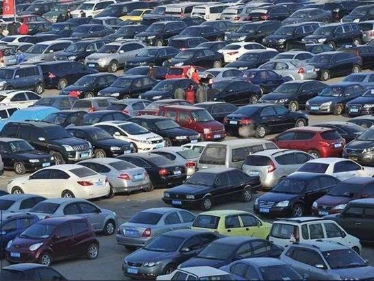 车市半年考交卷:多品牌经销商市场寒冬犹在
