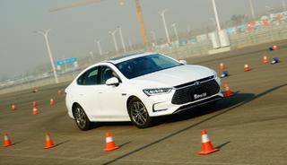 宋楠:专业赛道测试比亚迪秦Pro EV500电动汽车