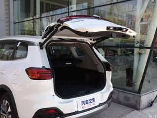 10万级就配电动尾门和全景天窗,这3款国产SUV实用够面子!