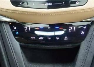 福特锐界和凯迪拉克XT5哪个好 凯迪拉克XT5有豪华感
