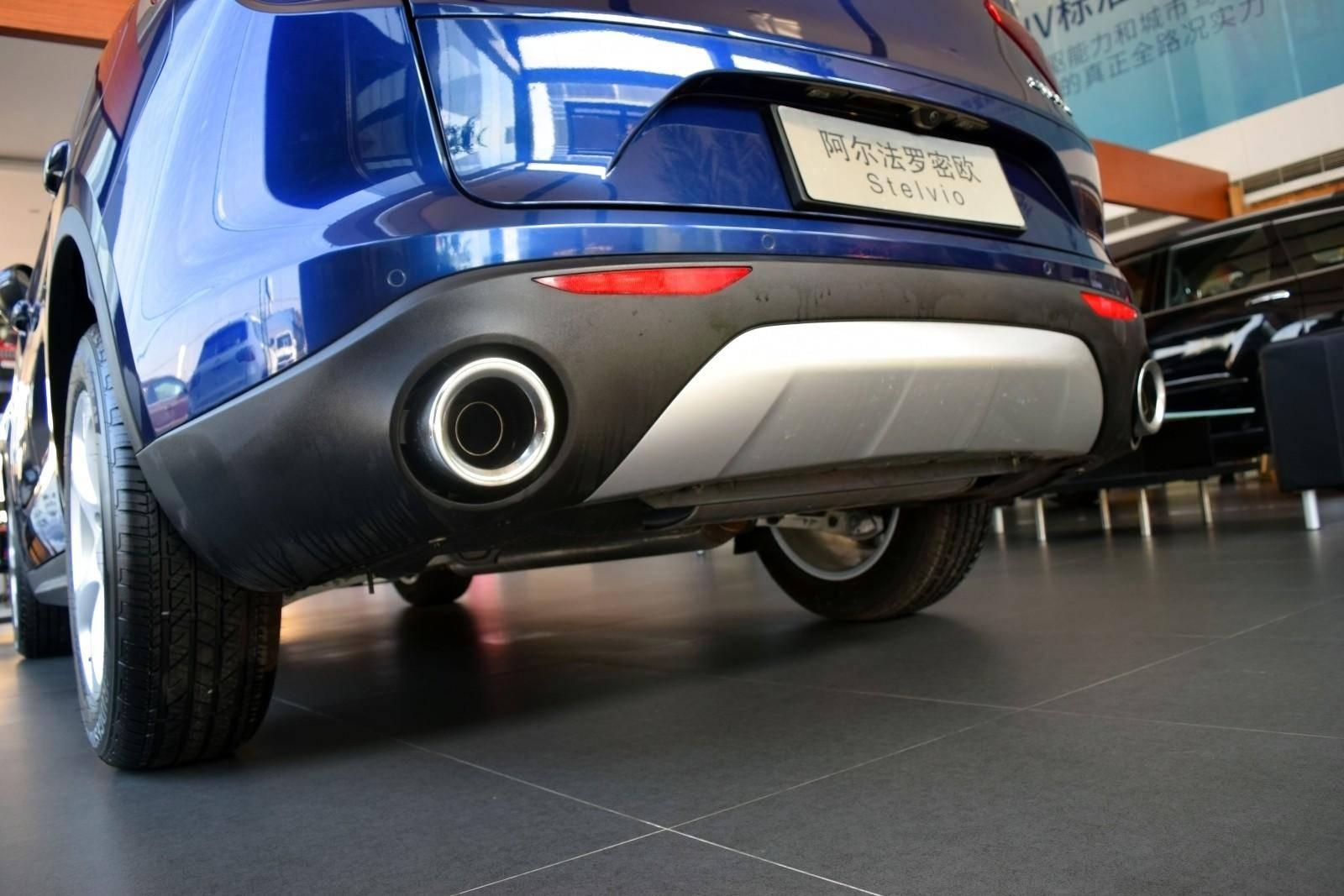 空间不是卖点,不一样的它是大街上最靓的仔,同级最快的车