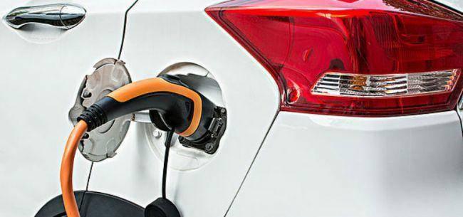 补贴退坡倒计时一周 各地再现电动车抢购潮