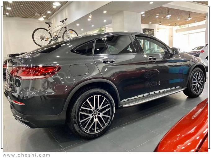奔驰新款GLC轿跑版到店实拍 4天后上市45万起售-图2