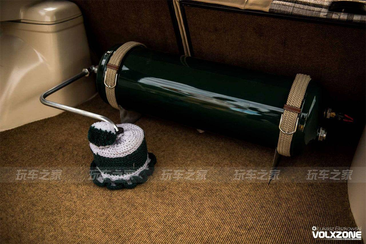 有情怀的桑塔纳旅行版改装案例,英伦绿车漆更显味道