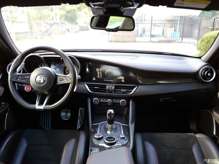阿爾法·羅密歐 Giulia 2019款 2.9T 510HP 四葉草版