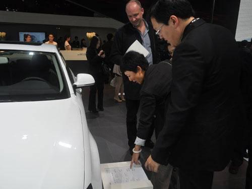 参观北京国际车展品牌二手车展区